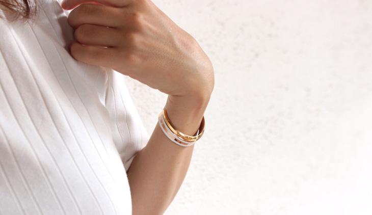 classic braceletとclassic cuffの重ね付け