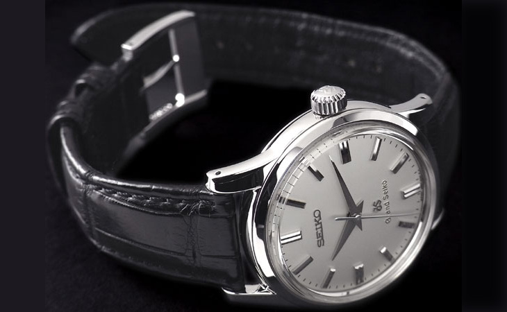 正装時にふさわしい時計