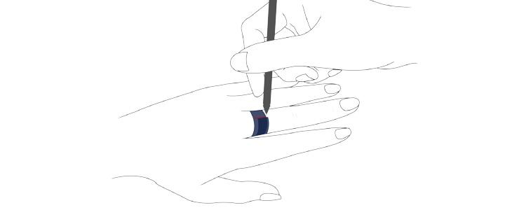 巻き付けて重なった部分にペンで目印を付ける
